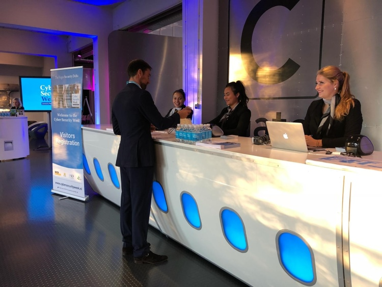 Cyber Security in Den Haag met hostesses van GoodDay Hospitality